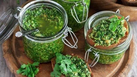 Cómo hacer pesto de cilantro