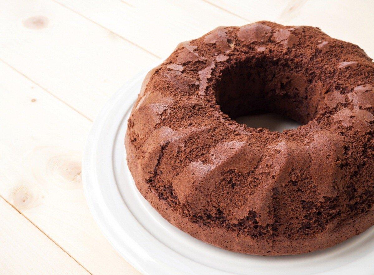 Cómo hacer bizcocho de chocolate básico
