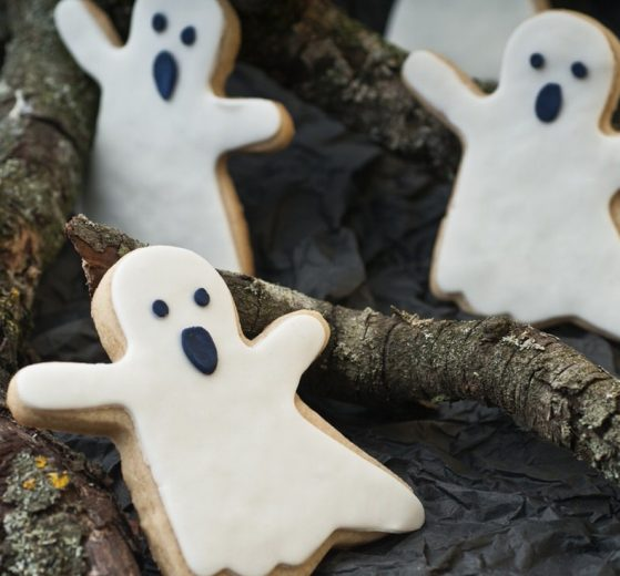 Galletas con forma de fantasmas (Halloween)