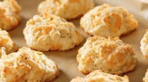 Cómo hacer galletas de queso saladas