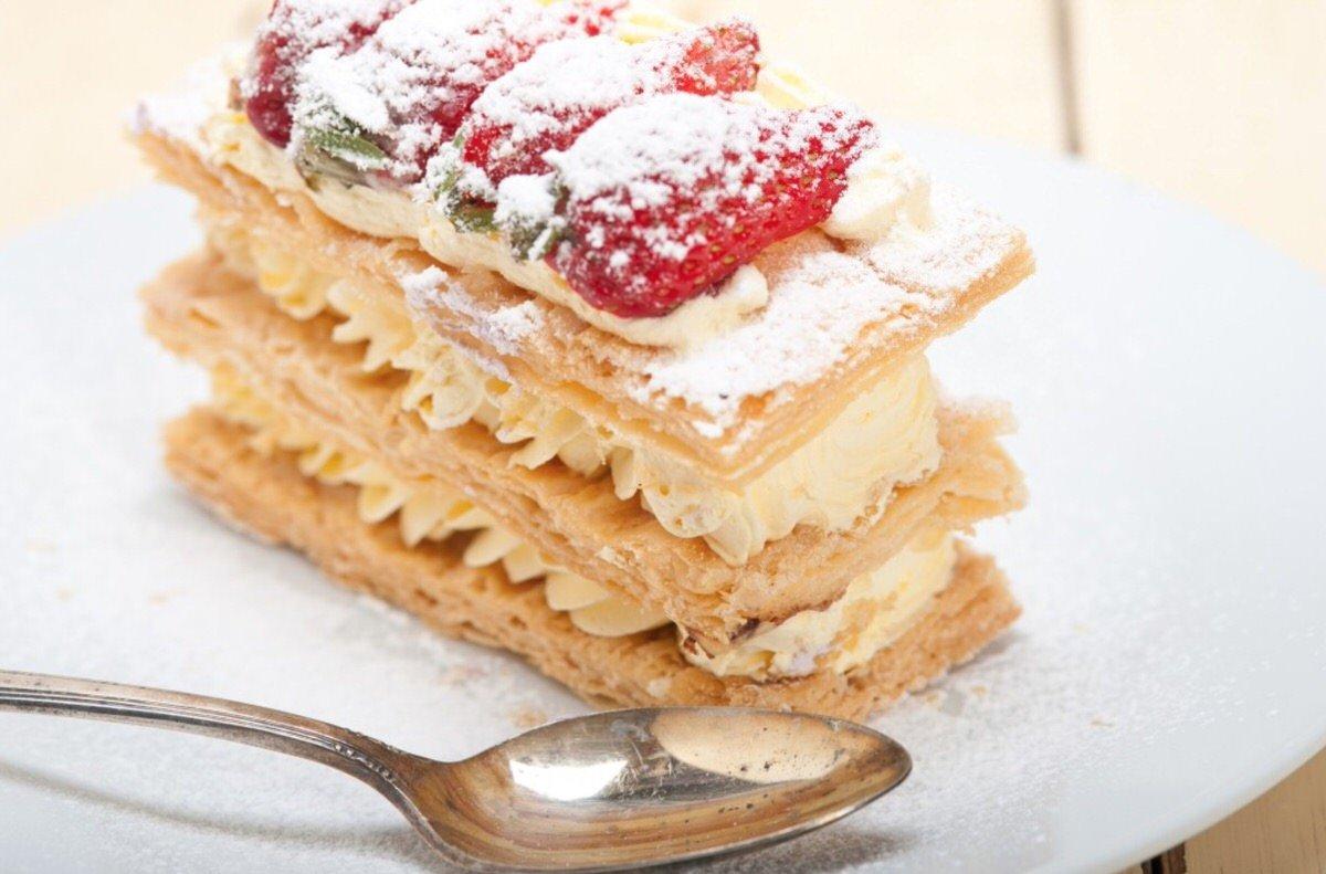 Milhojas de crema pastelera y fresas