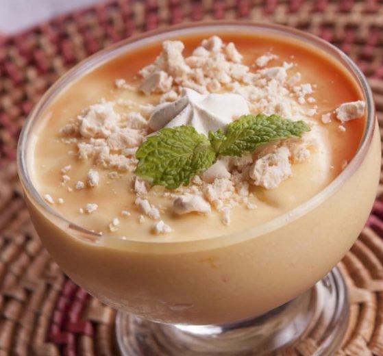 Crema de papaya fresca y nata