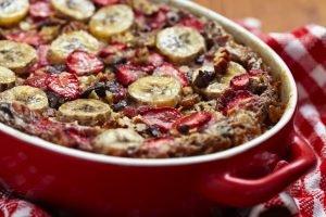 Receta de Gachas de plátano y fresas al horno