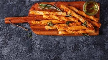 Cómo hacer Palitos de hojaldre con orégano