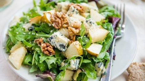 Cómo hacer Ensalada de pera y queso azul