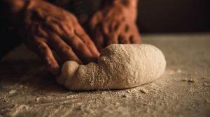 Cómo sustituir la harina de pan