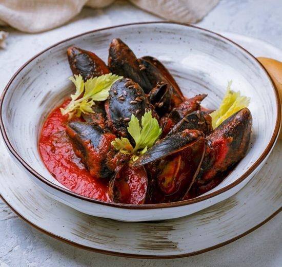 Cómo hacer Mejillones con tomate, ajo y perejil