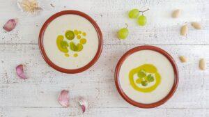 Cómo preparar ajoblanco con uvas