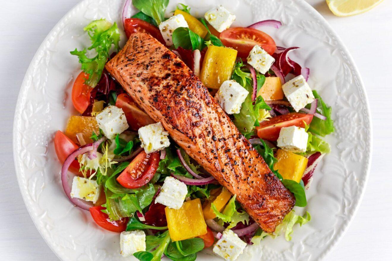 Cómo elaborar ensalada de salmón con vinagreta