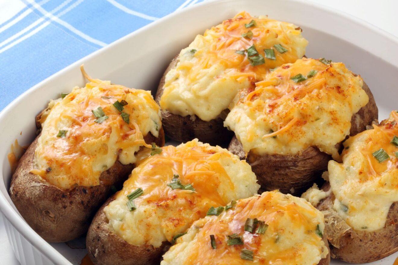 Cómo preparar patatas rellenas de queso Mozzarella