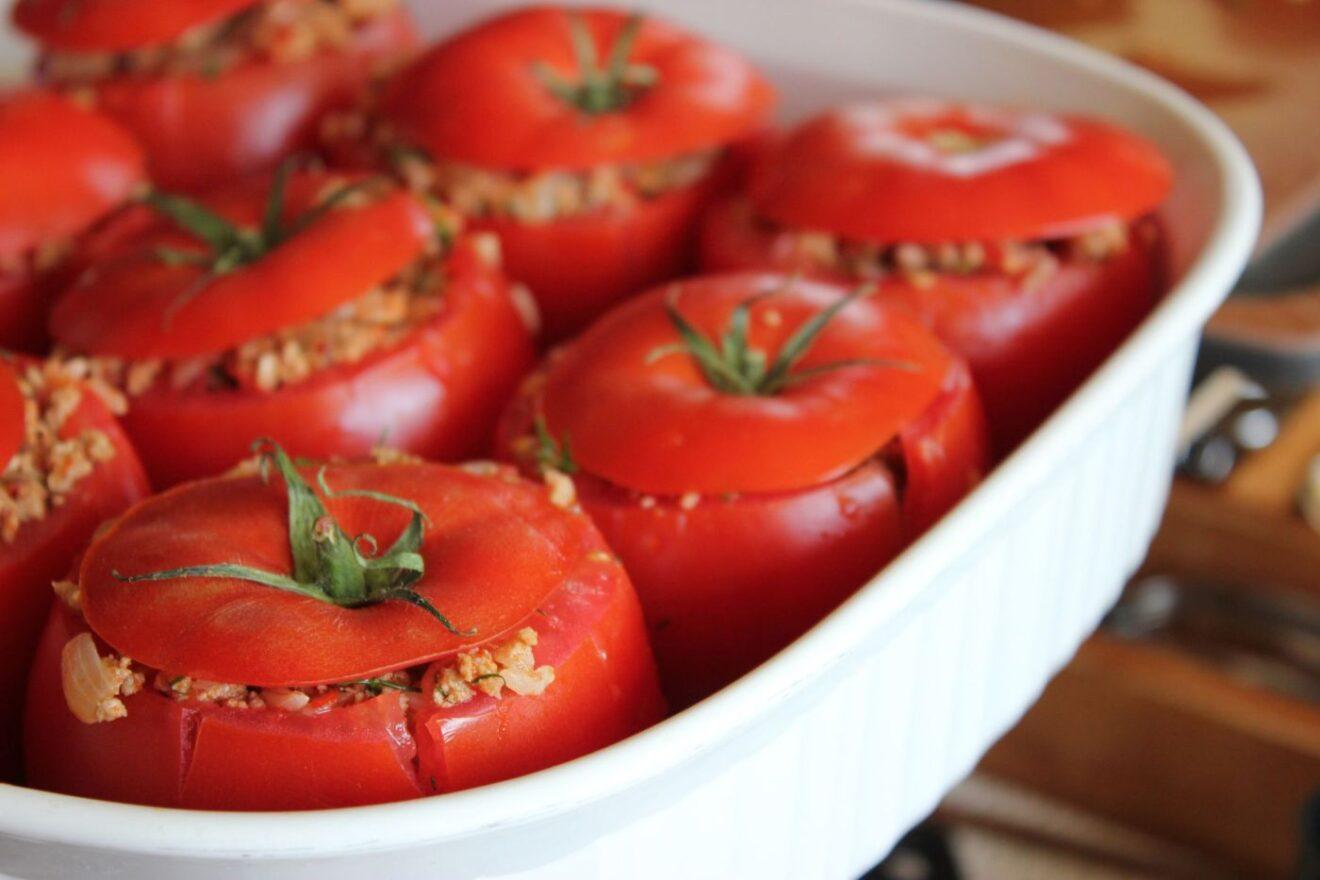 Cómo preparar tomates rellenos