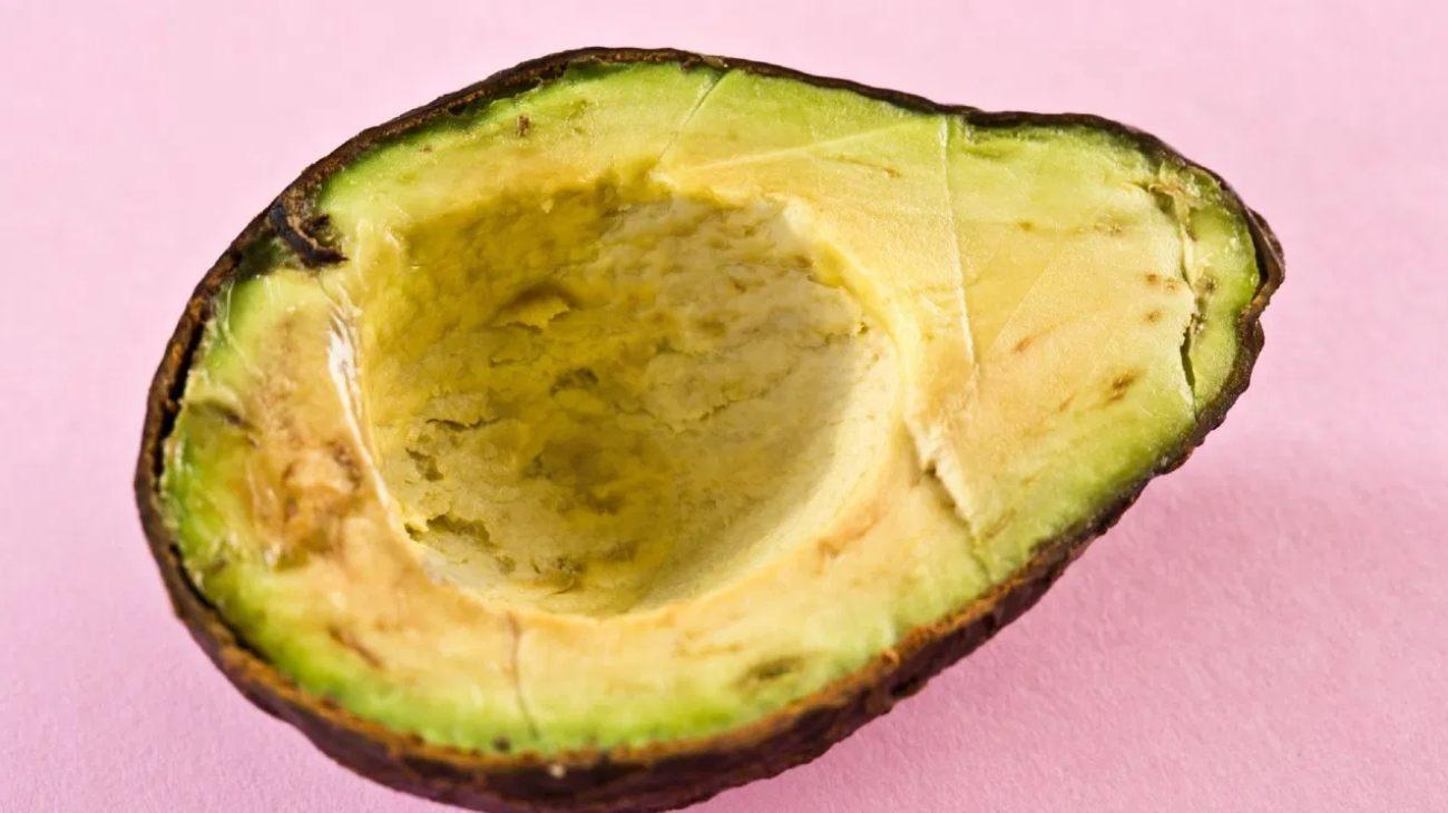 Cómo evitar que se oscurezca el aguacate y otras frutas