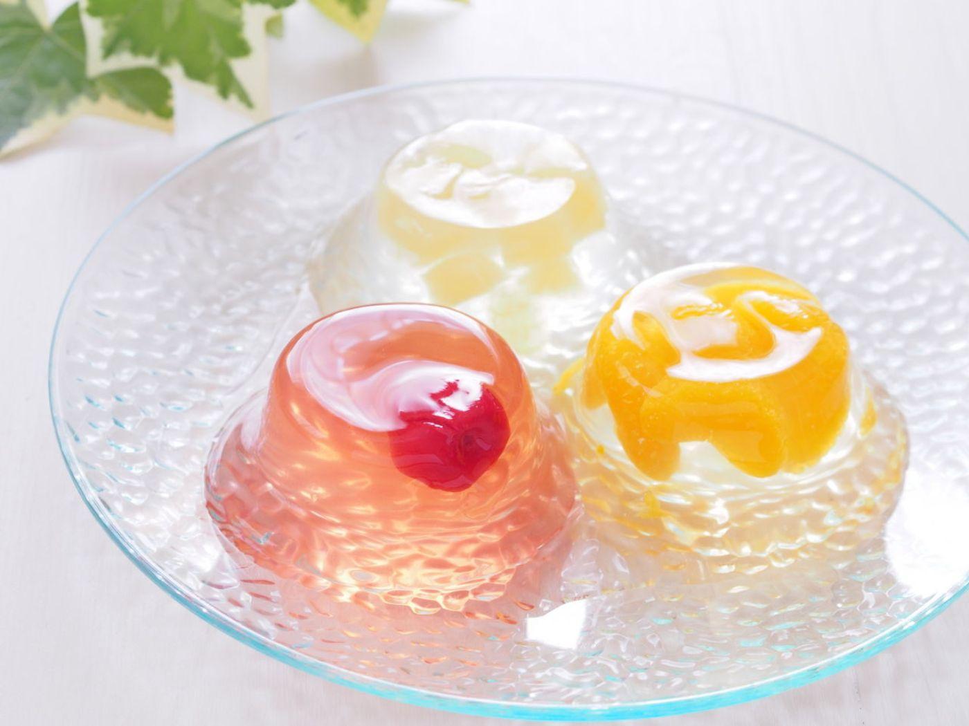 Gelatina natural con macedonia de frutas