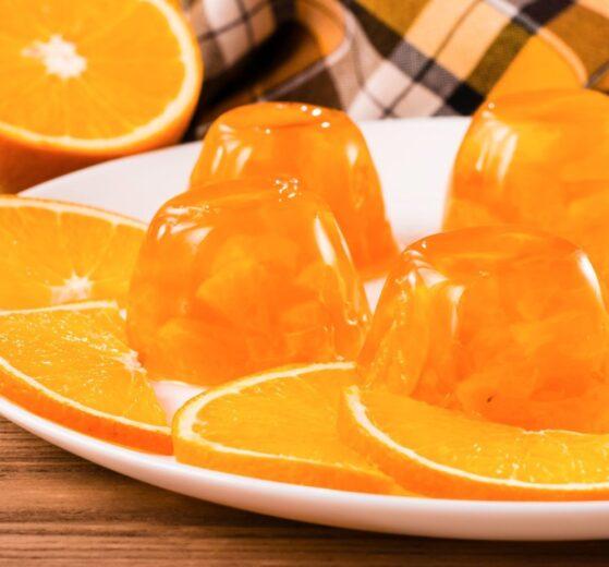 Gelatina casera de naranja